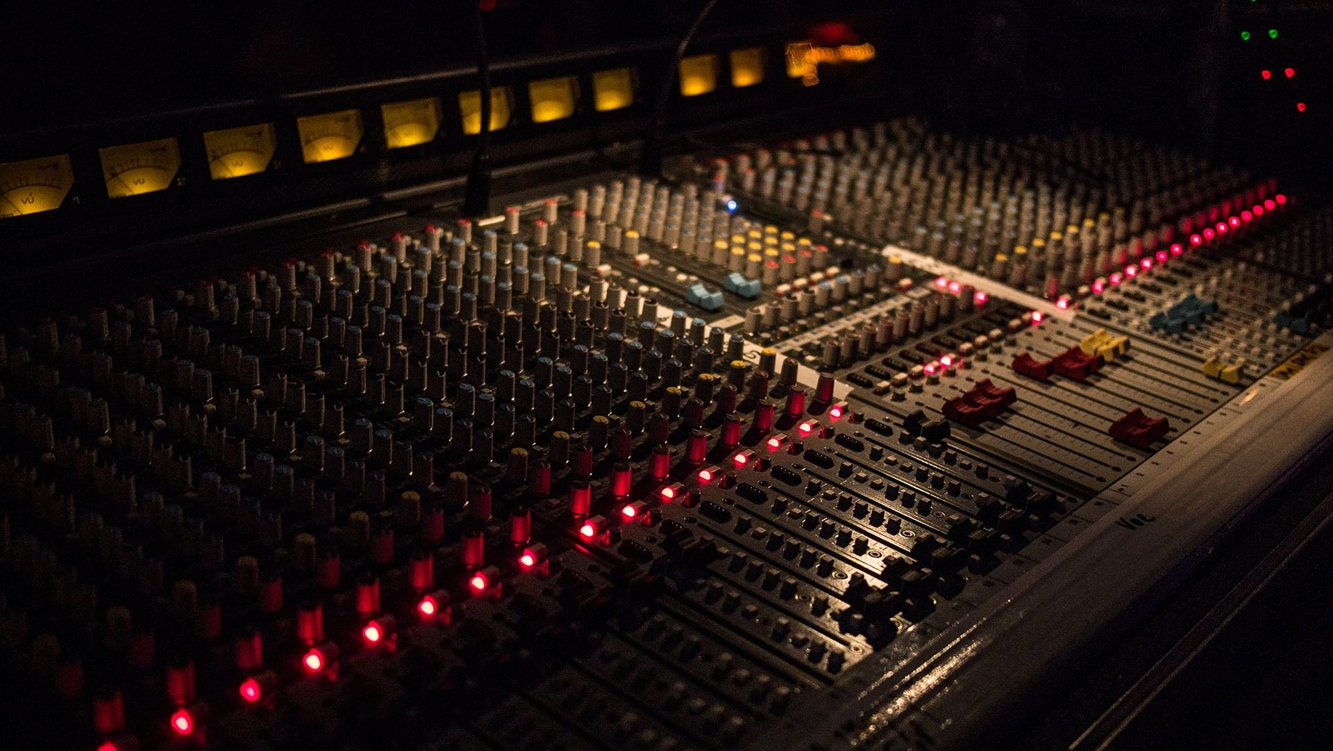 Koło Naukowe Inżynierii Akustycznej